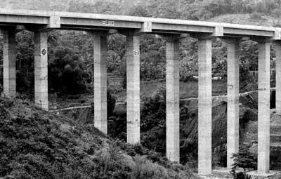 jembatan deck atas di jalur tol cipularang